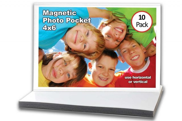 Magnetic photo booth frame